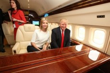 donald-trumps-boeing-757-6-690x459