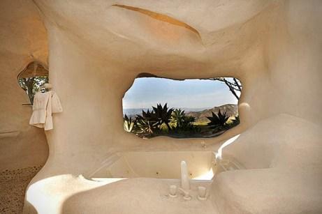 Dick-Clarks-Flintstones-House-in-Malibu-8