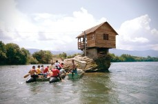 The-River-House-in-Serbia-3