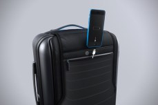 Bluesmart-Smart-Carry-On-Suitcase-6