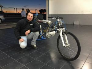 Rocket-powered-bike-Thermo-Engineering-Swiss-Rockeman_1