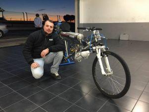 Rocket-powered-bike-Thermo-Engineering-Swiss-Rockeman_1