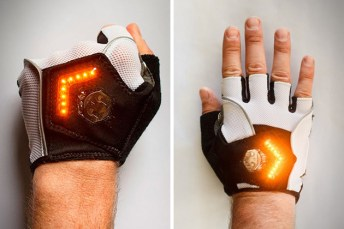 Zackees-LED-Turn-Signal-Gloves-1