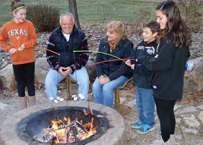 campfire-fishing-pole-roaster-7353