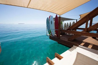 Cloud-9-Floating-Bar-in-Fiji-5