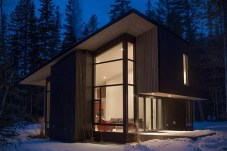 Ultimate-Modern-Escape-Cabin-on-Airbnb-4