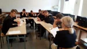 """NPRCz: Projekt """"Wychowanie przez czytanie"""" w klasie 3ti"""
