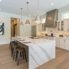 Kitchen Countertops Quartz Cooking Utensils Countertop Looks Like A Natural Stone But Better Slabs Are Made From Engineered It S Man Product However The Main Ingredient Crystals Mined Just Granite And Marble