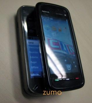 Nokia 5800 em cima do N97