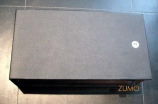 A caixa do Aura: couro com madeira