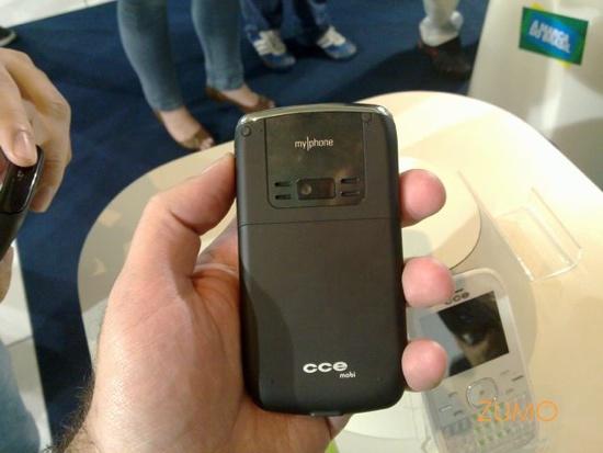 Smartphone QWERTY, visto por trás