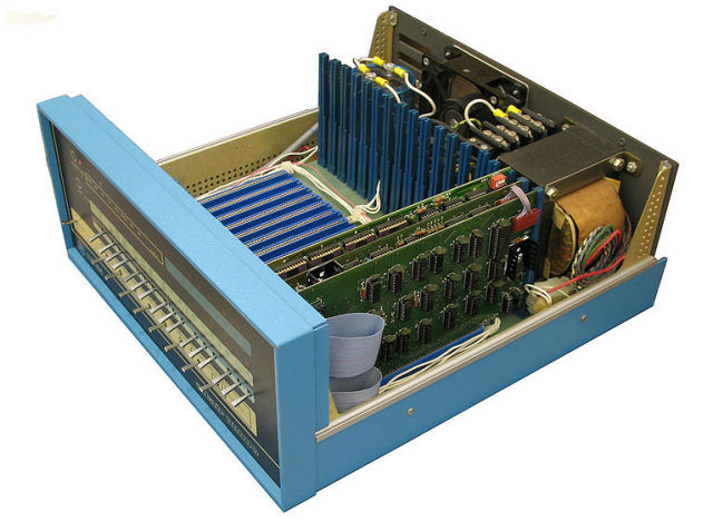 Altair_8800_Inside_back