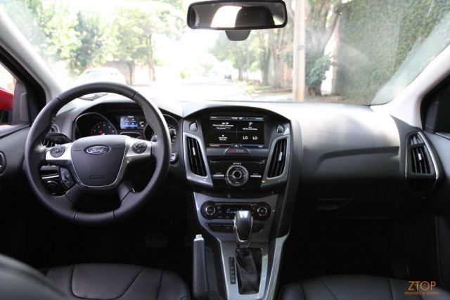 Fiord_Focus_powershift_2014_interior_frente