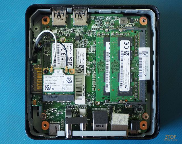 Dell_Chromebox_base_opened