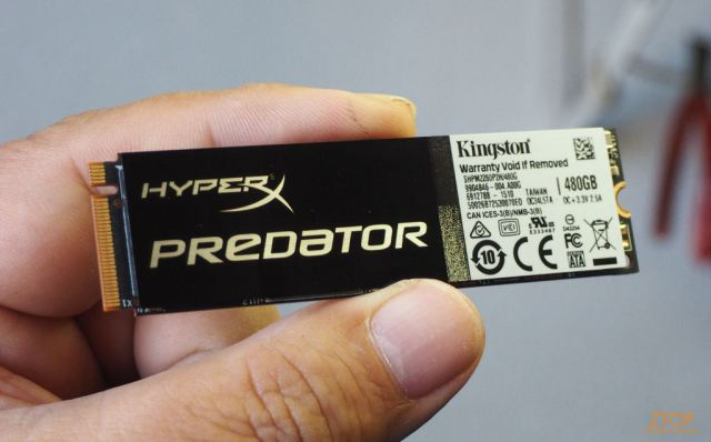 Kingston_SSD_HyperX_Predator_M2_na_mao