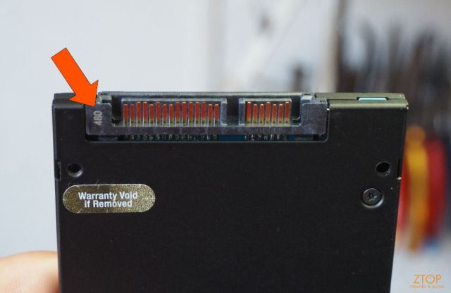 Kingston_SSD_HyperX_Savage_SATA_connector1