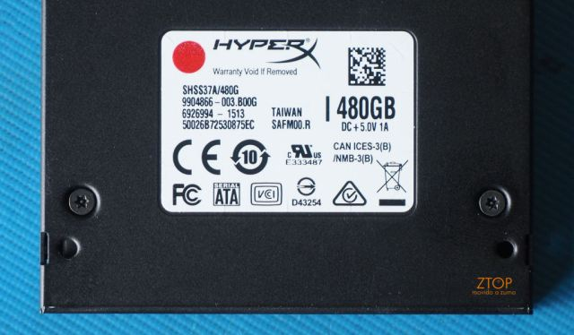 Kingston_SSD_HyperX_Savage_back_seal