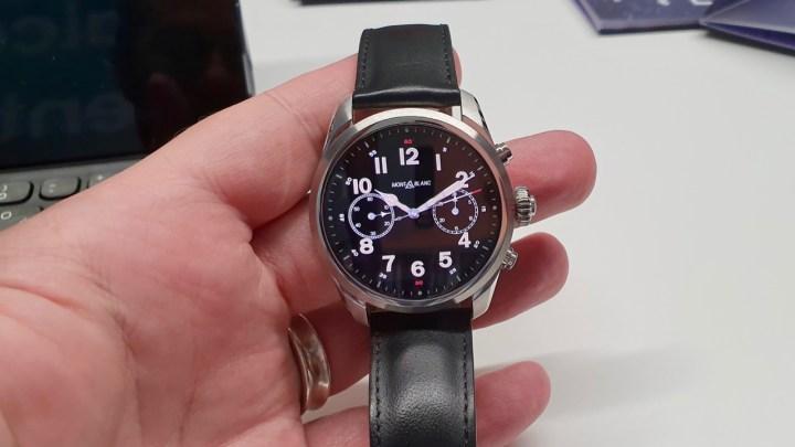 7bef6d828c3 Pós-MWC 2019 – A Qualcomm acredita que relógios inteligentes vão  desempenhar funções mais pessoais e específicas (como pagamentos) em um  futuro próximo.