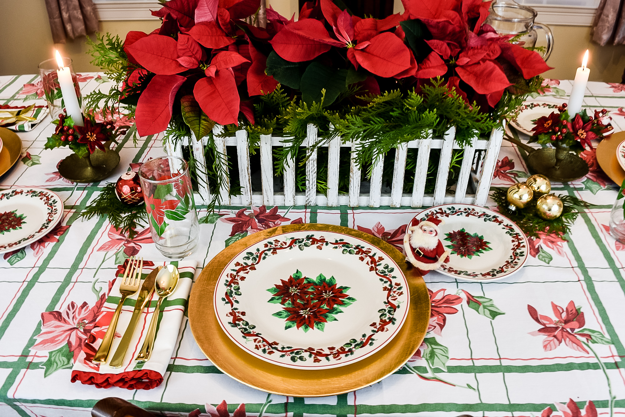 poinsettia motif Christmas tablescape