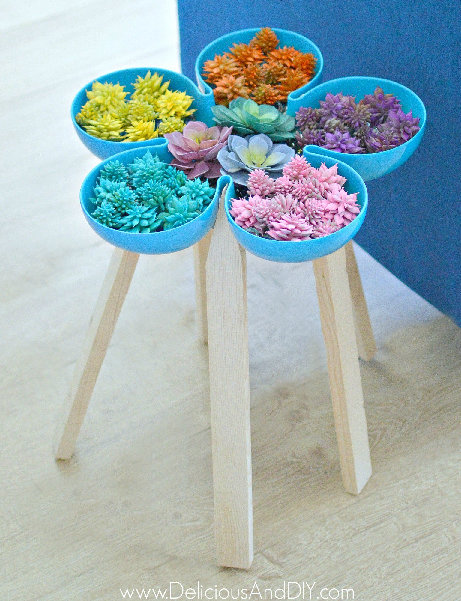 5 Diy Designer Knock Off Side Tables Stools Zucchini Sisters