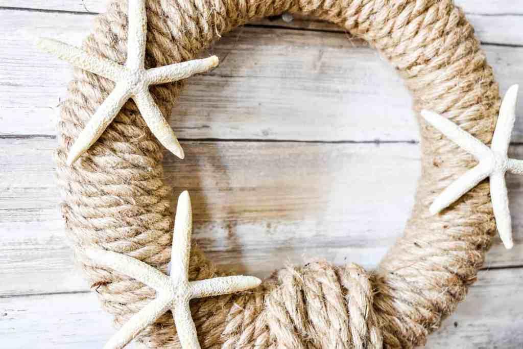 DIY Nautical Rope Wreath with three starfish