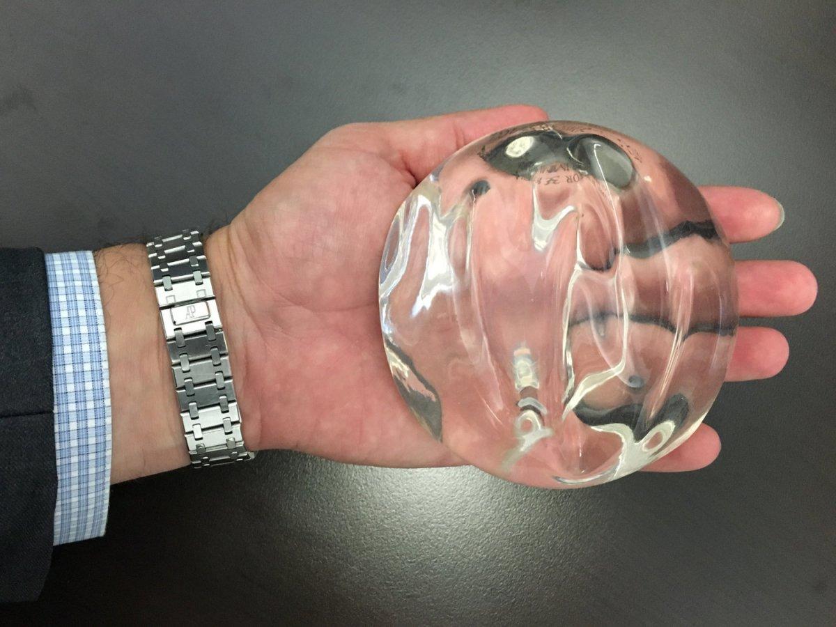 round_implant_2000px.jpg?fit=1200%2C900&ssl=1