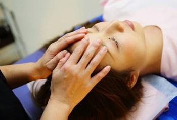 施術の流れ <クレニオセラピー(頭蓋骨調整)>