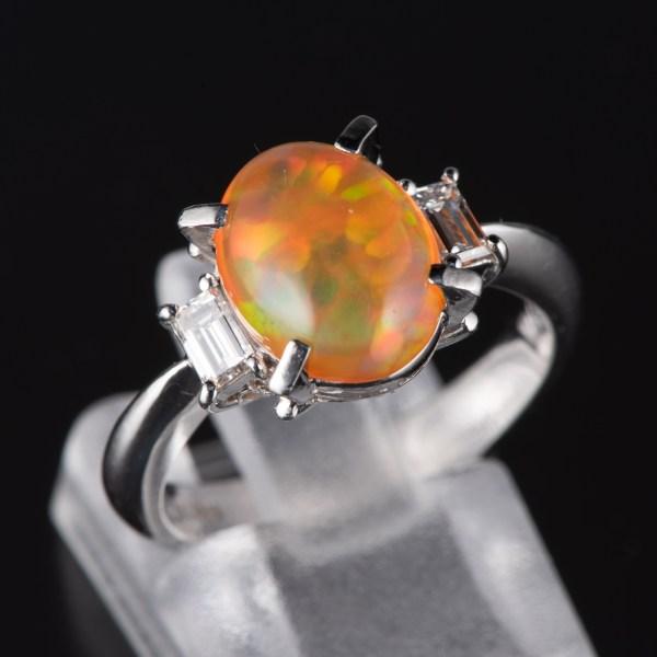 スリーストン メキシコオパールxダイヤモンド プラチナリング MO: 2.27 ct D: 0.34ct Pt900