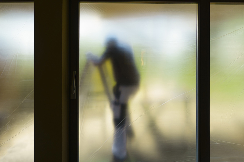 How to Choose a Sliding Glass Door Repair  in Miami