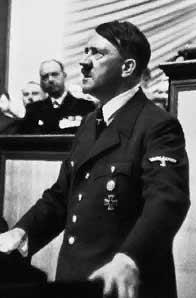 Adolf Hitler bei einer Rede vor dem Reichstag