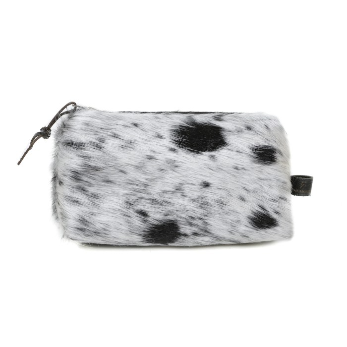 cowhide cosmetic bag, make up bag, clutch, cowhide purse, pouch, artisan made, cowhide cosmetic bag, slow fashion, ethical fashion, sustainable fashion, christmas gifts, presents, leather bag