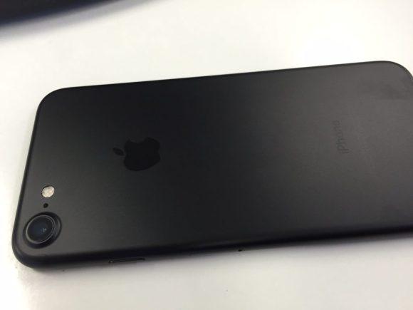 iphone7ブラック背面