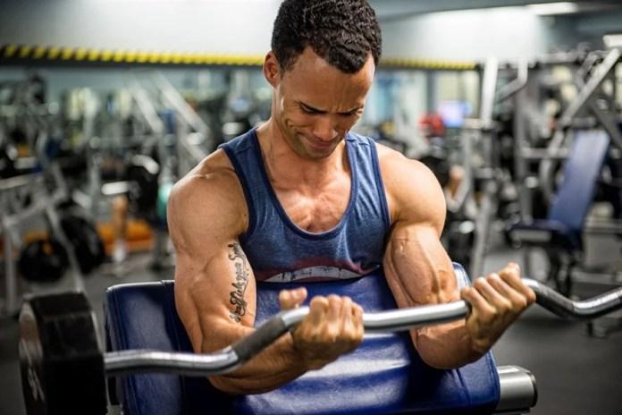 levantamento de pesos para ganhar músculo