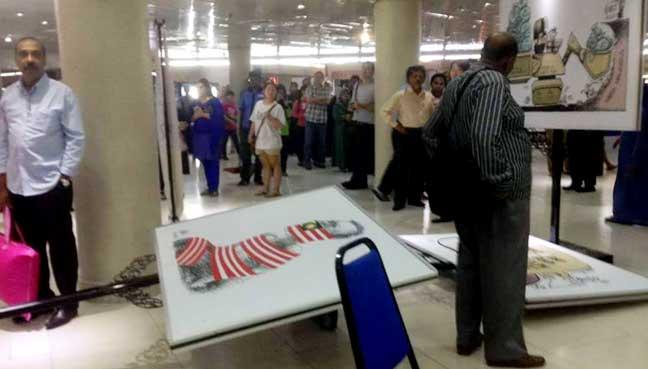 zunar-exhibition-attacked