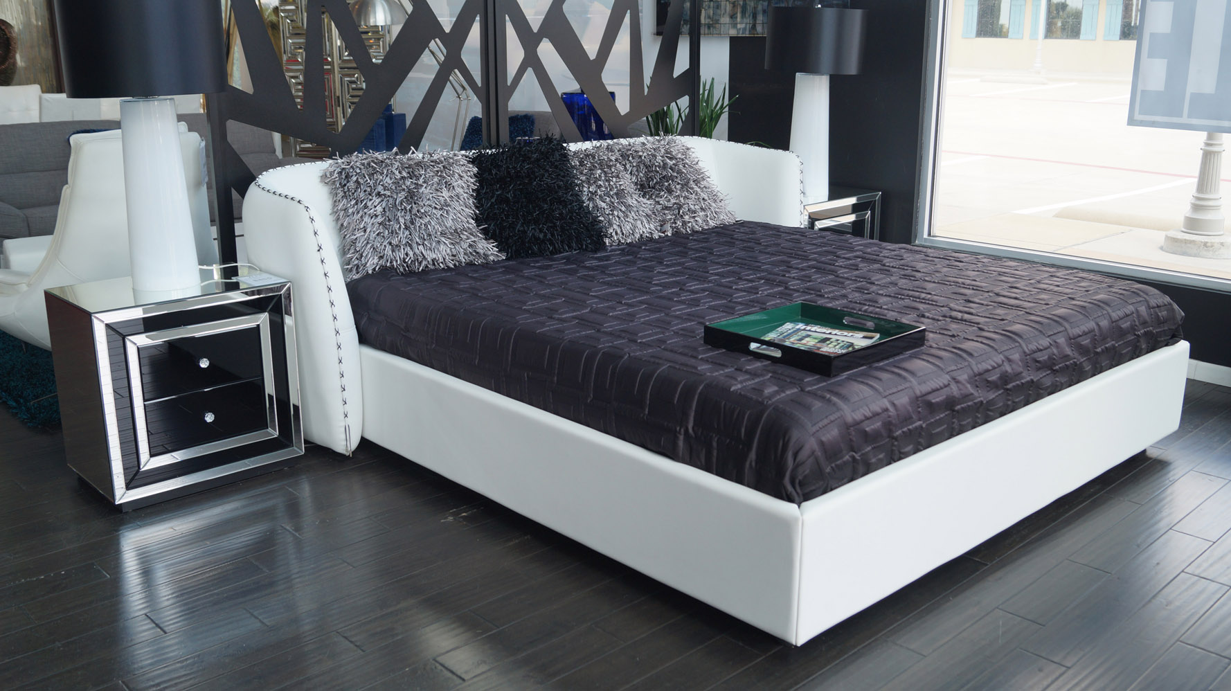Vitali Microfiber Leather Platform Bed by Zuri Furniture