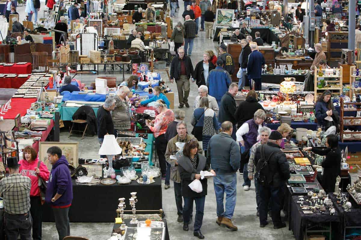 Grayslake North Chicago Illinois Antique Vintage Flea Market