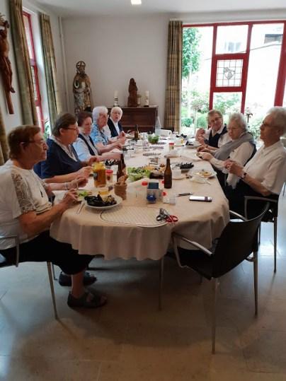 Onthalende gemeenschap in Brugge