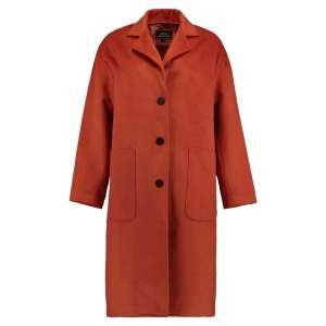 Damen Mantel von Hailys Modell Denise Art. DUH-1911072 Farbe burnt orange online kaufen bei Zweisam Mode Schonach im Schwarzwald Frontalansicht