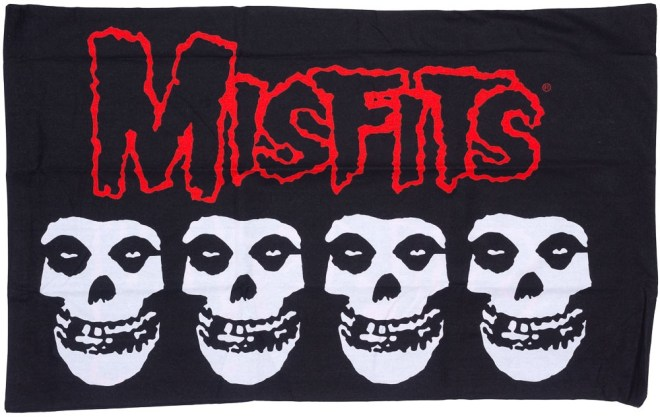 misfits_logo___skulls_pillowcase