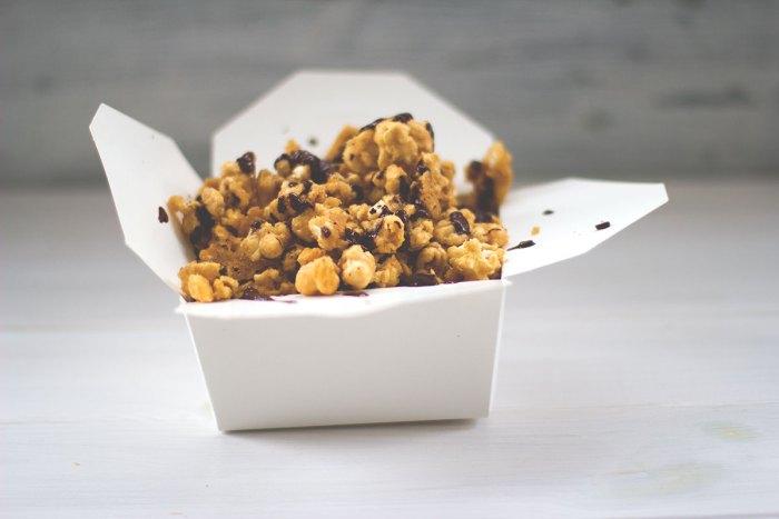 popcorn-salzkaramell-ahornsirup-moeyskitchen (4)