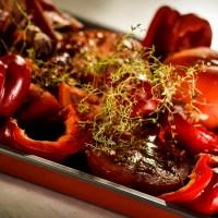 pikantna zupa z pieczonych pomidorów i pieczonych papryk ......