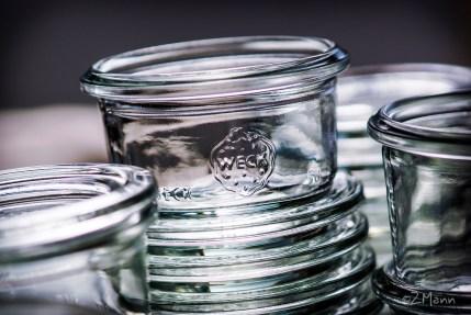 z widokiem na stół   sterylizacja słoików . pasteryzacja w piekarnikuz widokiem na stół   sterylizacja słoików . pasteryzacja w piekarniku