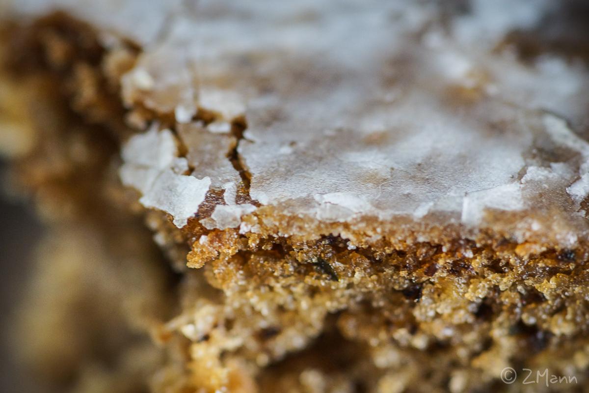 z widokiem na stół   włoskie ciasto z cukinii i orzechów