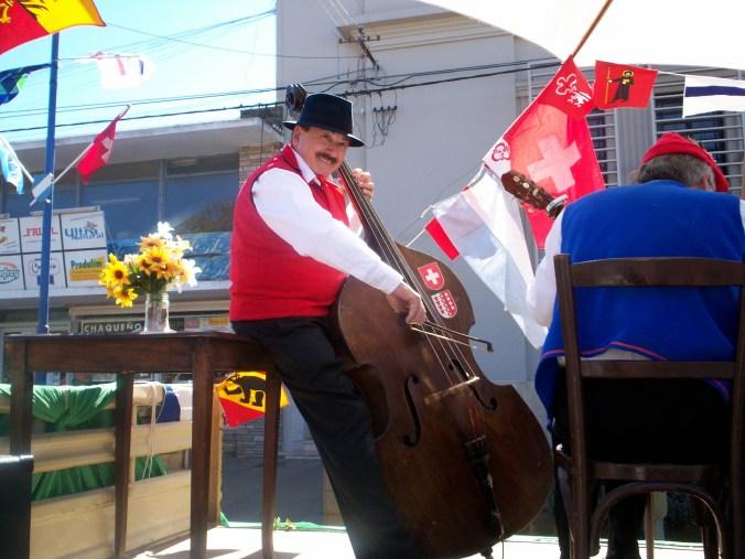 Traditionen werden in San Jerónimo Norte hochgehalten – nicht nur an der Fiesta del Folklore Suizo.