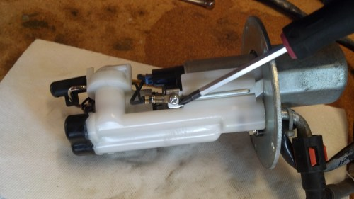 small resolution of how to service fuel pump and strainer 2012 03 10 12 26