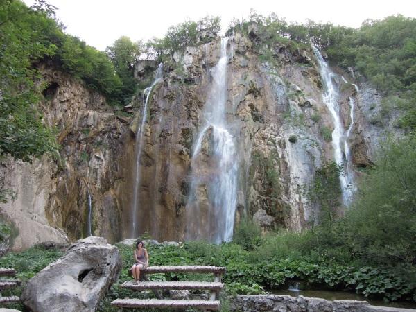 Plitwickie Jeziora duży wodospad Chorwacja