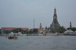 Bangkok Wat Arun z daleka Tajlandia