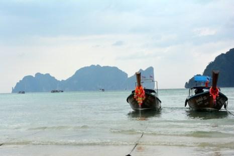 Phi Phi Leh widok z wyspy głównej Tajlandia