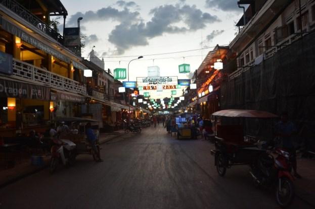 Siem Reap wieczorem Kambodża