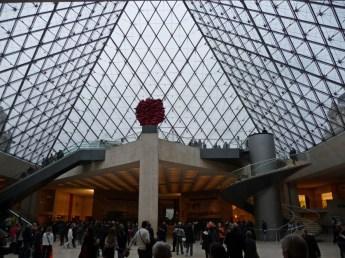 W środku Luwru Paryż